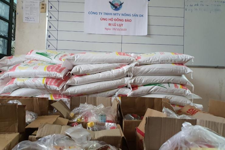Aid comes for flood victims in central Vietnam on 19th Oct, 2020